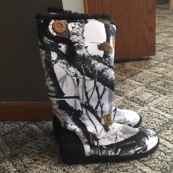 Muk Luks Shoes   Never Worn White Camo